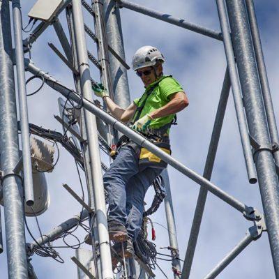 Internet via straalverbinding voor in het buitengebied.