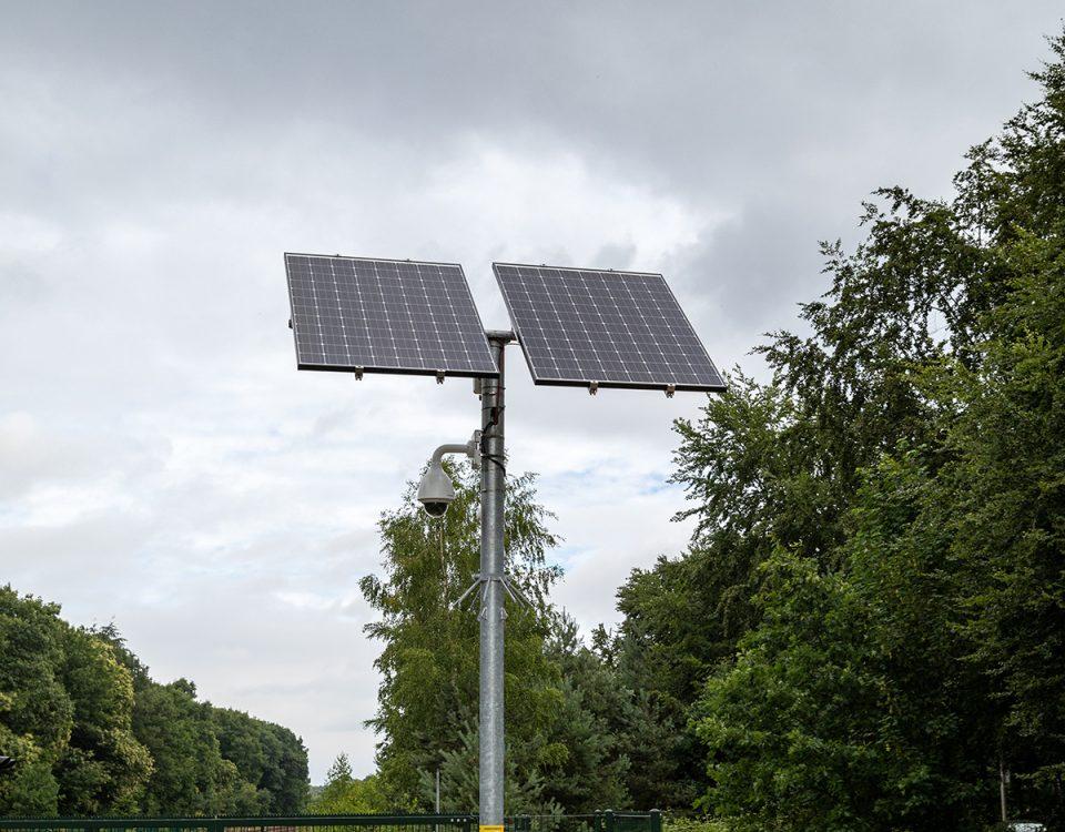 Afbeelding van een sfeerbeeld op wifi4all.nl waarop een autonome bewakingscameramast te zien is die overal kan worden ingezet waar nodig is.